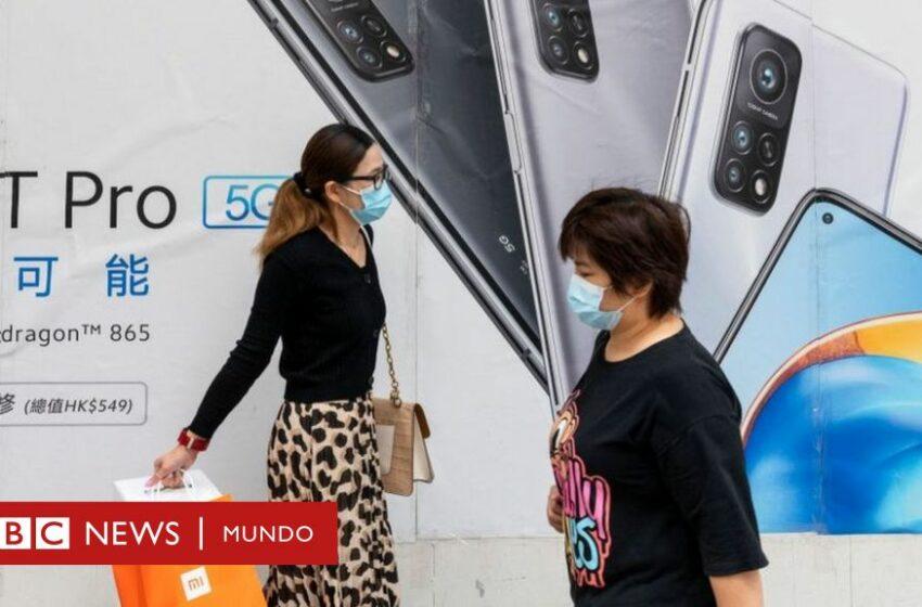 """""""No compren teléfonos chinos y desháganse de los que ya compraron"""": la advertencia del gobierno de Lituania (y la respuesta de las compañías)"""