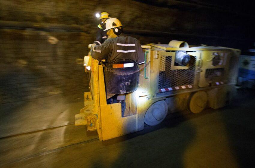 Canadá mantiene trabajos de rescate de 39 mineros atrapados – Caracol Radio
