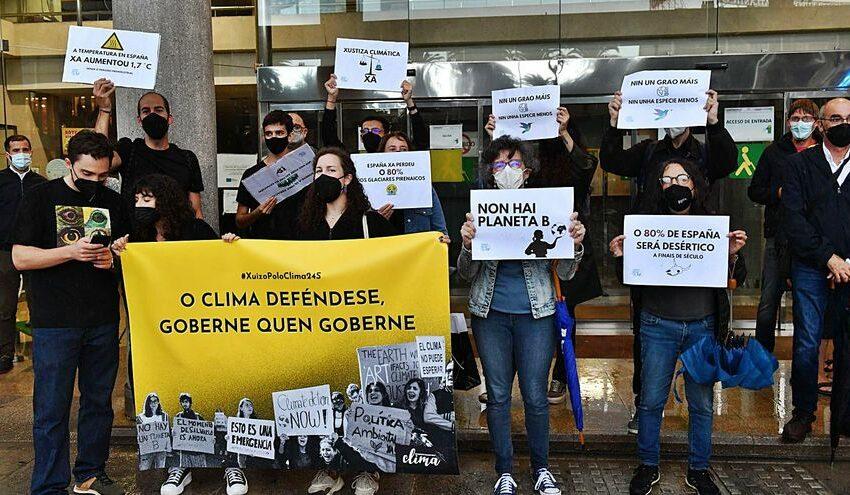 Manifestación para la defensa del medio ambiente – La Opinión de A Coruña