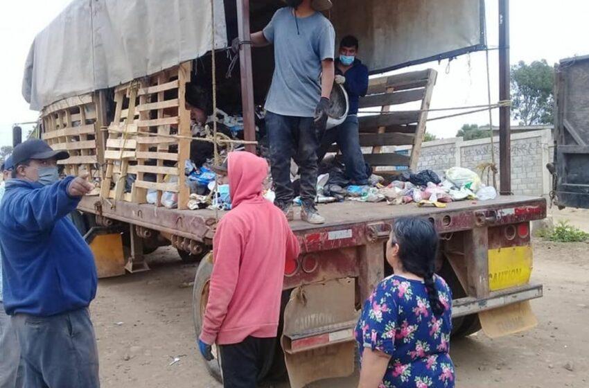 Sigue colonia Emiliano Zapata recibiendo apoyo de empresa agrícola en recolección de basura