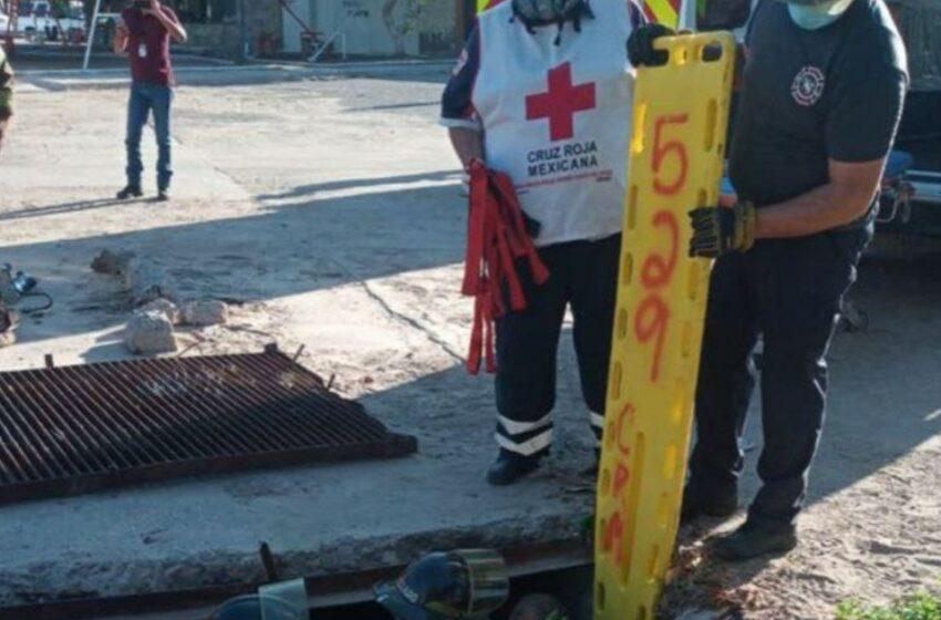Bombero sufre varias lesiones tras caer en alcantarilla   Noticias de Sonora   EL IMPARCIAL