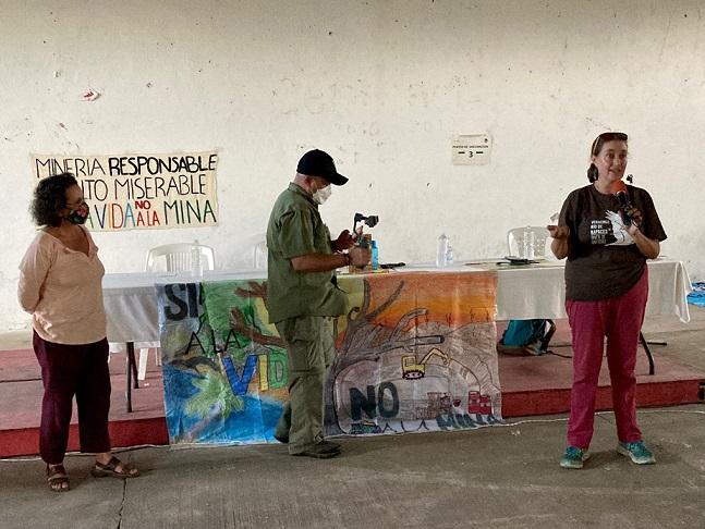 """Denuncian """"infiltrados"""" en concentración contra la minería tóxica – Plumas Libres"""