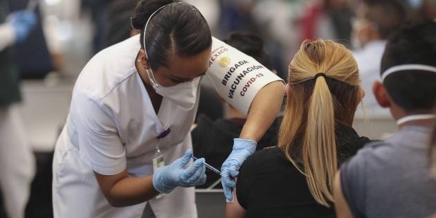 AMLO asegura que en un día se vacunaron más de un millón